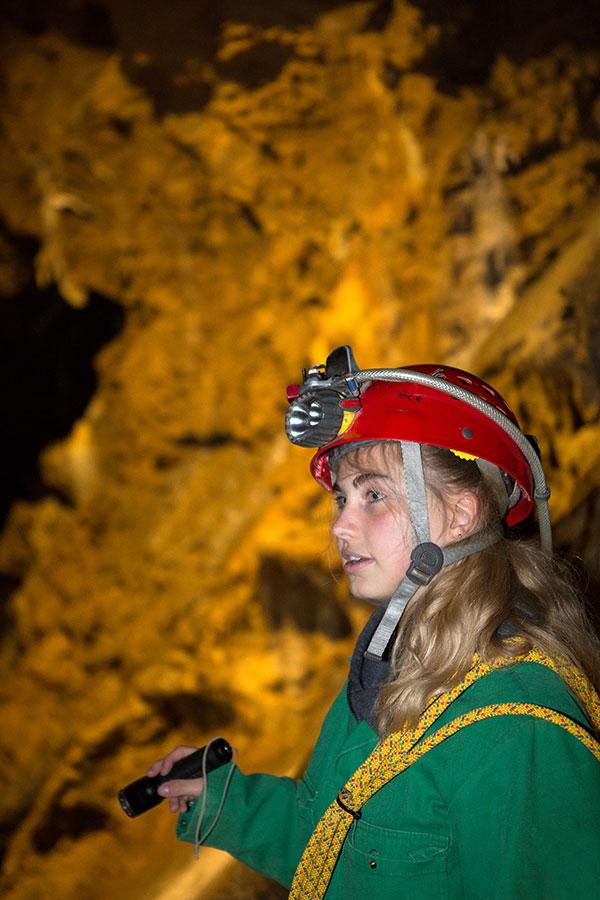 Grotte de Comblain - Spéléologue ©Eric Bertrand