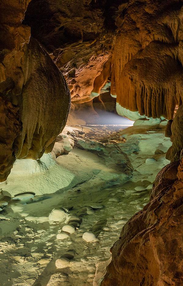 Grotte de Comblain - Sallle du Petit Lac ©Halleux Regis