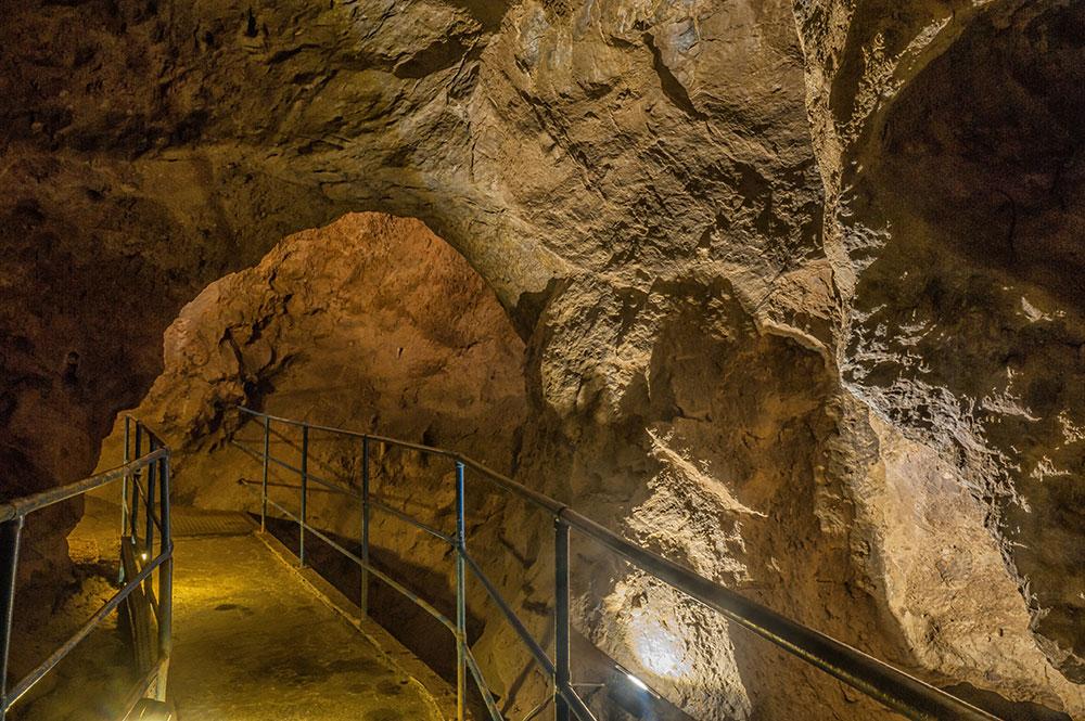 Grotte de Comblain - Salle des Loups ©Chapelle Sonia
