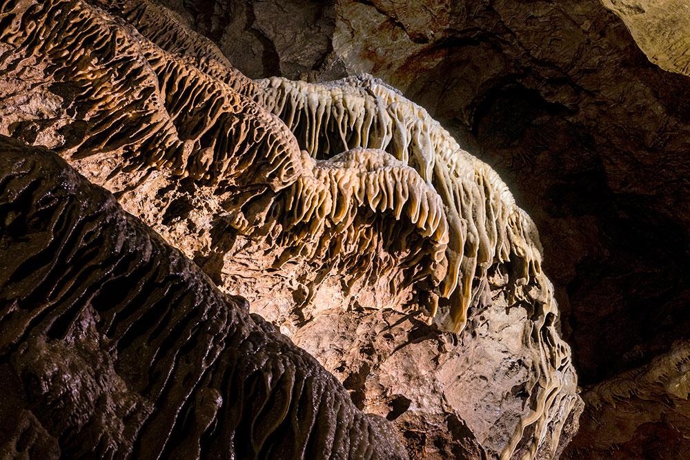 Grotte de Comblain - Draperies ©Halleux Regis