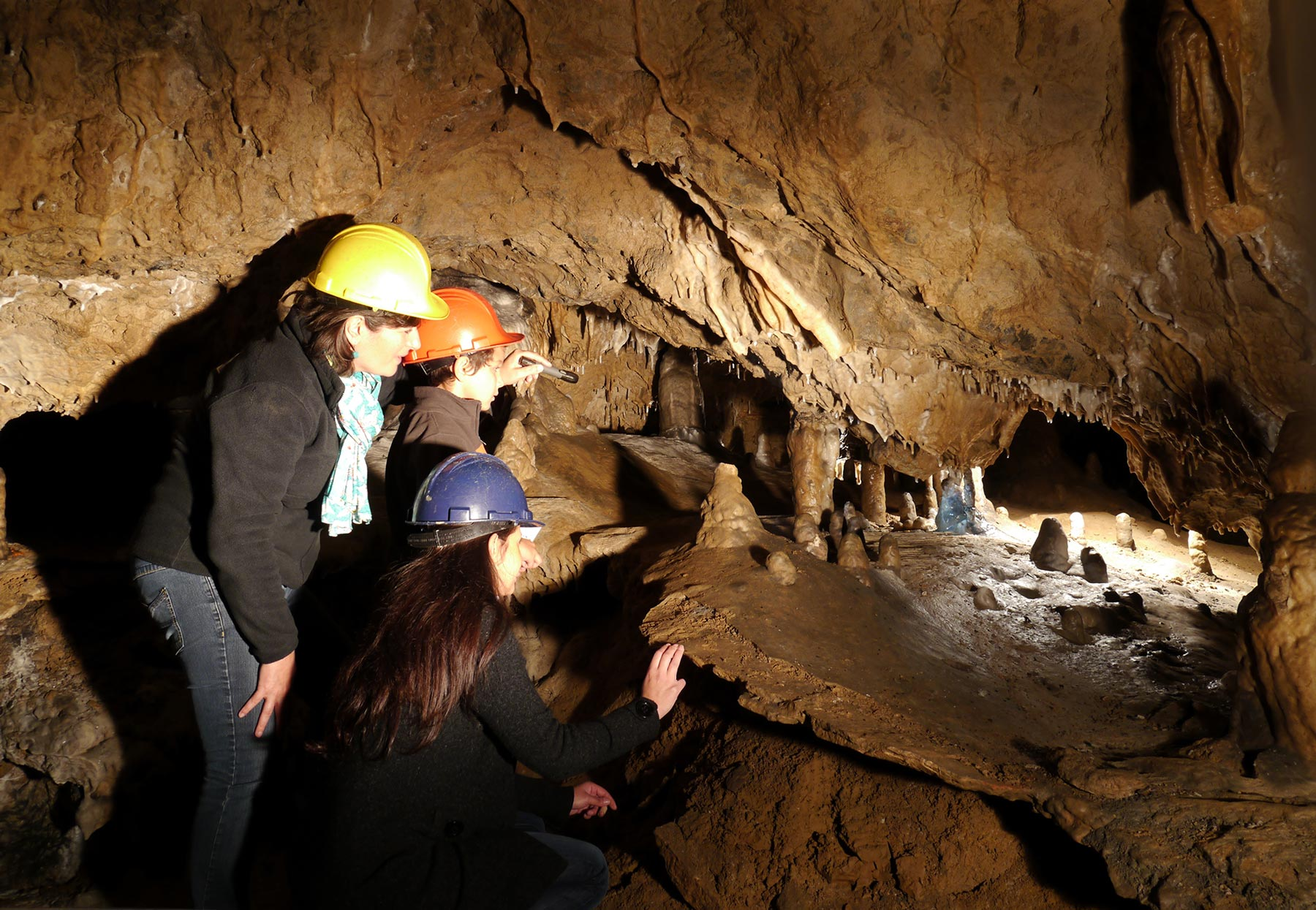 Grotte de Comblain - Salle de la Créche ©Découvertes de Comblain
